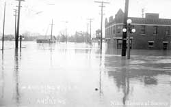 Along South Main. 1913 flood