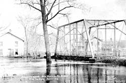 Mosquito Creek bridge over West Federal Street. At the height of the 1913 flood, the water was over the floor of the bridge.