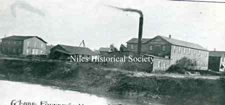 Photo of the Globe Foundry & Machine Works in Niles, Ohio. Founded in 1858, it operated until after WWI.