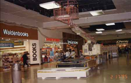 The interior of the Eastwood Mall main concourse during the renovation that led to the removal of the fountains. Dated February 17, 1995