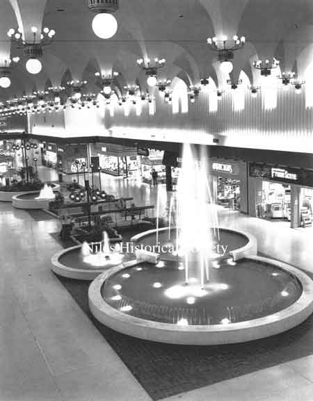 Center court fountains, 1969.