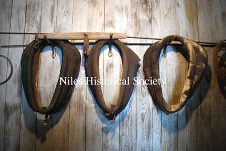Leather horse collars