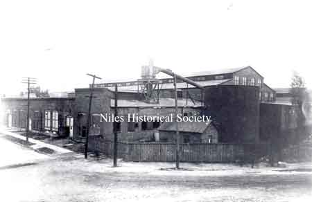Niles Car & Manufacturing Company was built in 1901 on Erie Street in Niles.