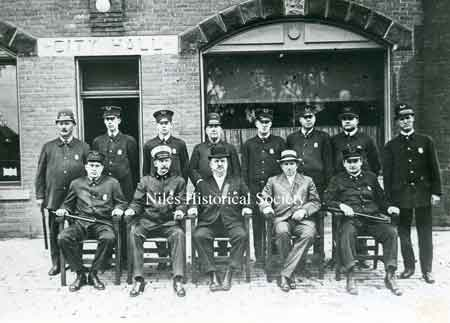 Early 1915 photograph of the Niles Police Deptartment.