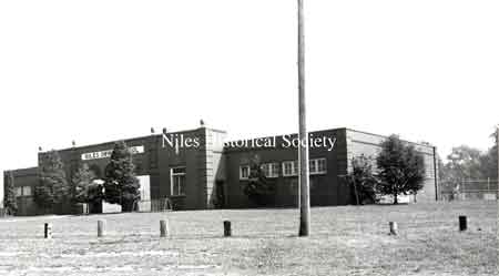 Front view of Niles Swimming Pool 1980s.